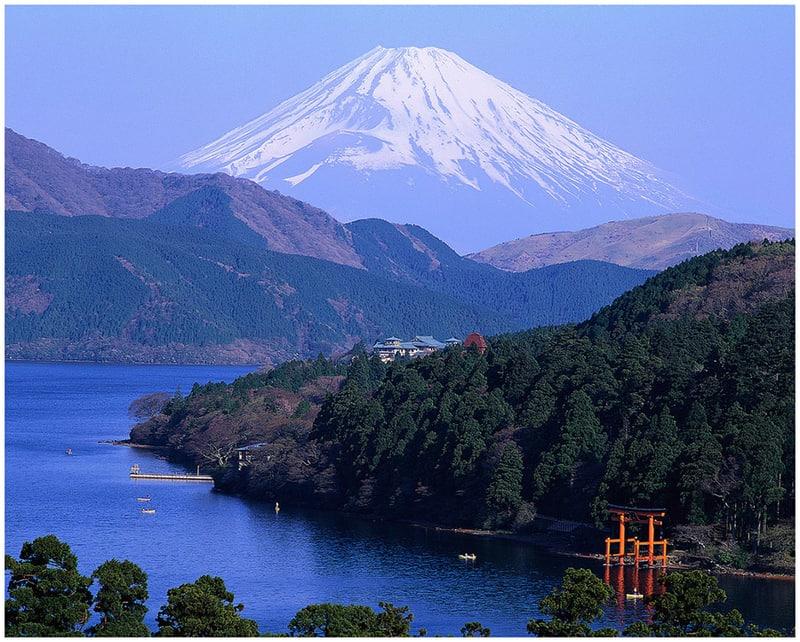 see mount fuji from_lake_ashino