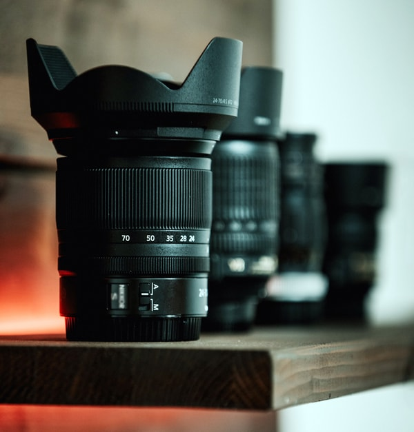 dslr and mirrorless camera lens