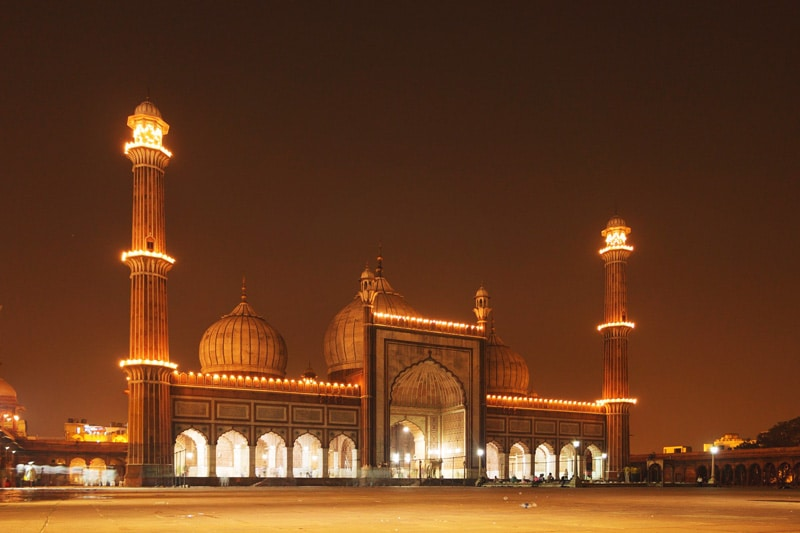 jama masjid at night