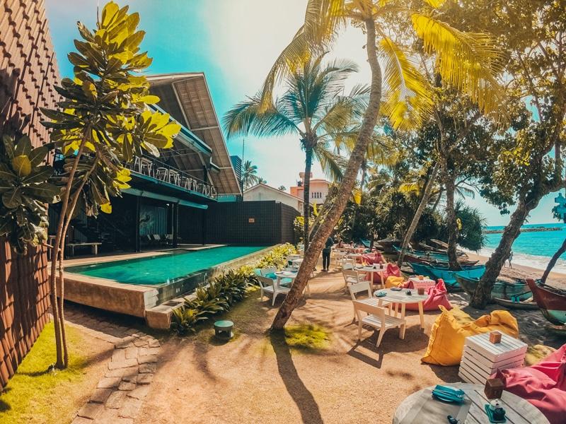 beach resort negombo sri lanka