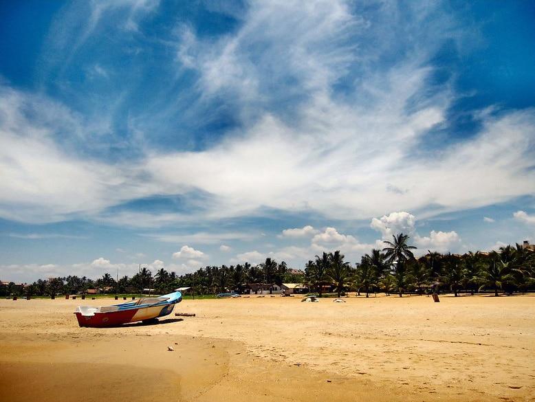 beaches in negombo